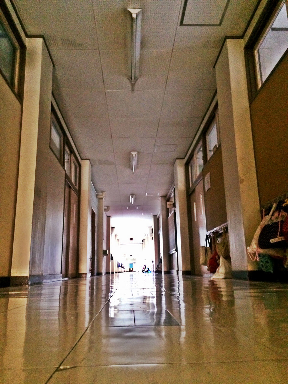 indoors, flooring, corridor, architecture, built structure, day, no people, hospital