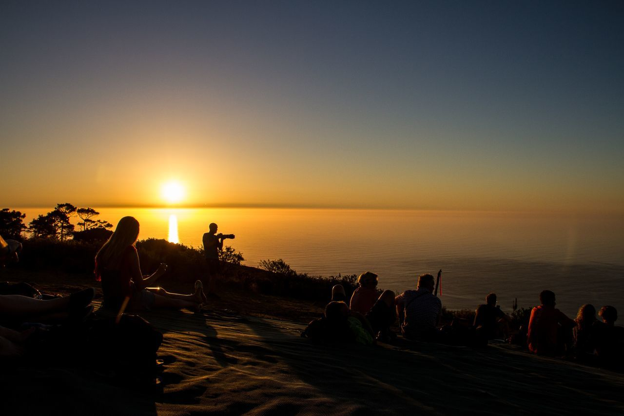 Signal Hill Sihlouette People Watching Sunset Sunset Sunset On The Hill Shilhouette South Africa Capetown