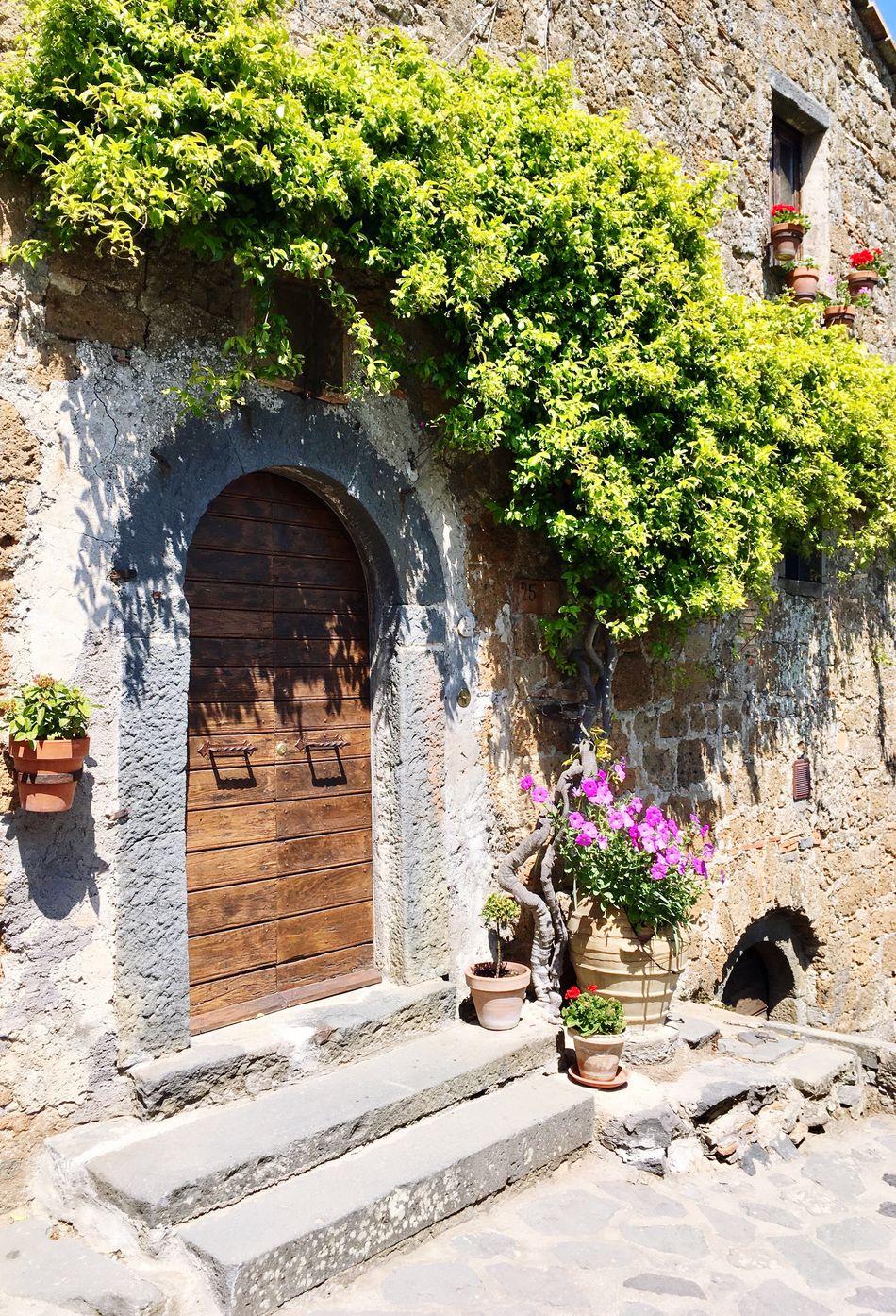 Tuscany Countryside : Civita Di Bagnoregio - Architecture Travel Destinations Door Nature Building Exterior Architecture