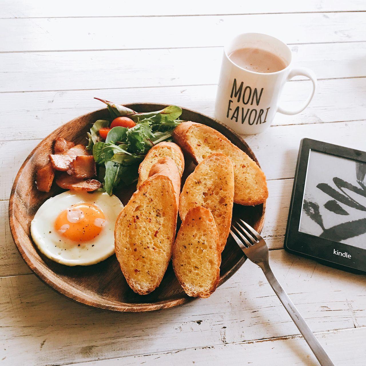 ガーリックトースト Breakfast Morning Enjoying Life おはよう Fatherhood  朝ごはん おうちカフェ Singlefather あさごはん パパめし シングルパパ シングルファザー Single Father おうちごはん Onthetable Onmytable