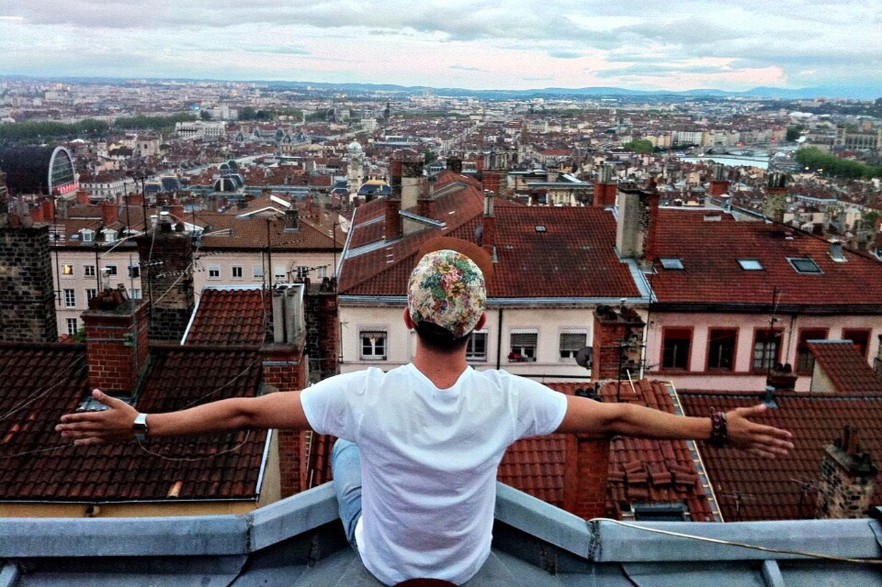 Hello ! That's Me Hello World Cityscapes City Myself Roof Enjoying The View View Enjoying Life From The Rooftop
