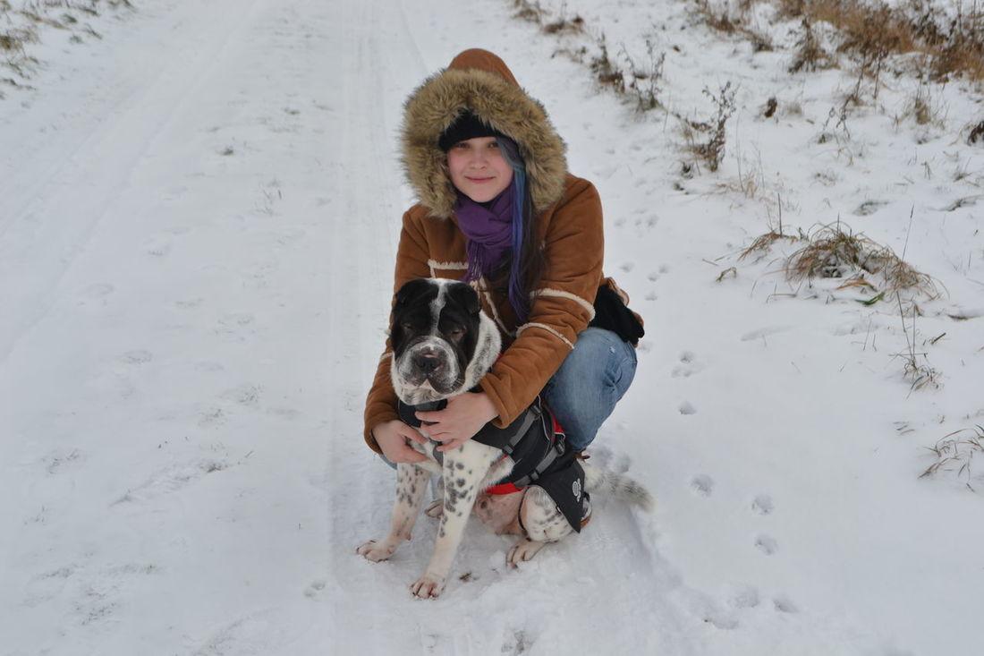 Blackandwhite It's Cold Outside Snow Sharpei Winter Animal Photography Schnee Hund Gentledog Naturelovers Nieve Nature Schwarzweiß Hunde Liebe ♡ Dog Liebe Girl