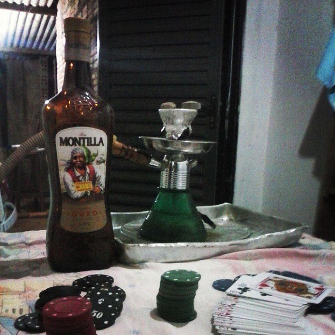 É o que tem pra sábado. Montilla Narga Narguille Cacha ça poker pôquer friends amigos instalike instaphoto like4like