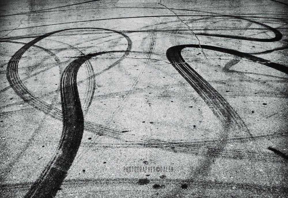 Geometric Shapes B&w Photography Geometry Road Romadalen Choose A Way