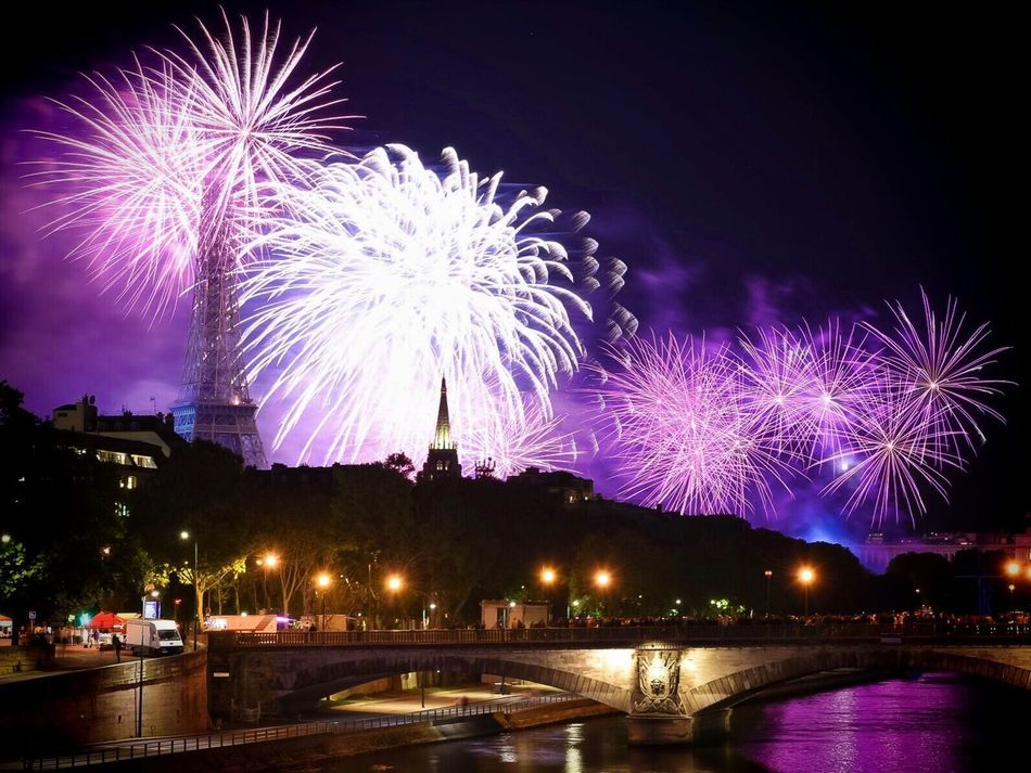 The beauty of last nights fireworks dulled by the events in Nice - without words Benice Prayfornice 14juillet2016 Paris ❤ EyeEm Best Shots Paris 14 Juillet Parisweloveyou Photooftheday