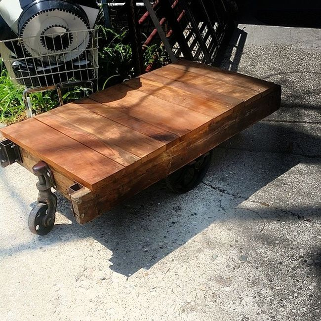 Industrial cart ready to roll on down the road. Pick it up! Hingestore Homedecor Industrial Loftliving