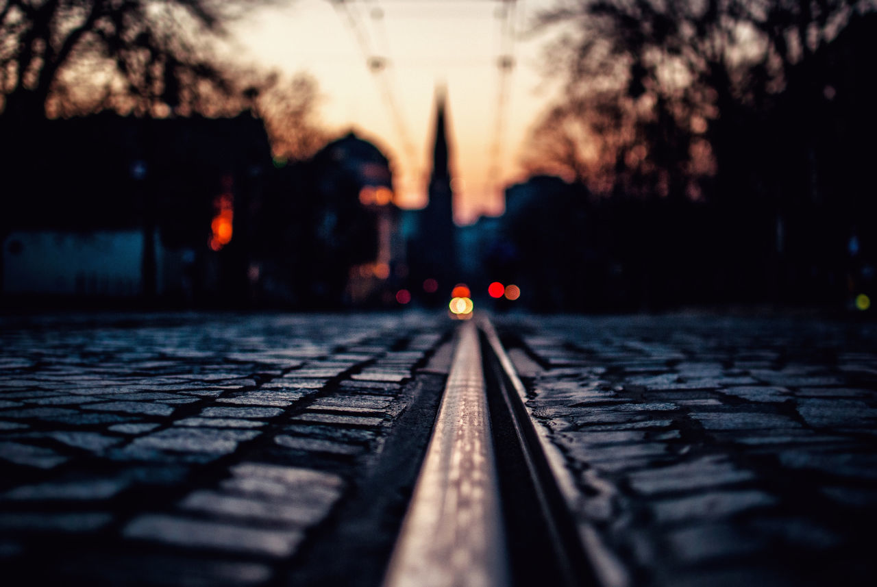 selective focus, no people, sunset, outdoors, tilt-shift, close-up, day