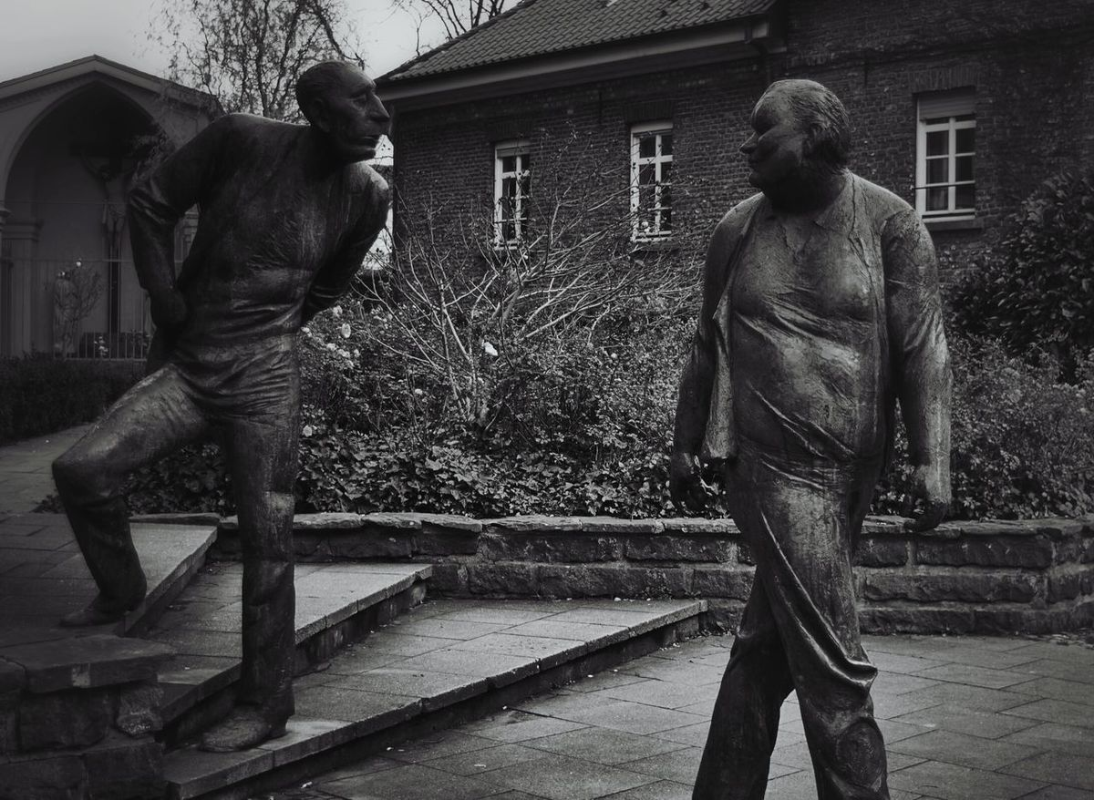 Taking Photos Metal Art Check This Out Light And Shadow Eye4photography  Nikon D5200 Skulpture Statue Süchteln EyeEm Best Shots Monochrome Blackandwhite Black And White B&w