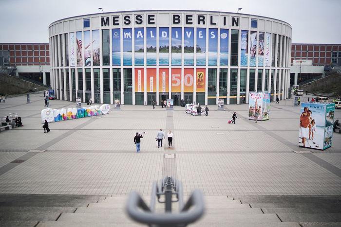 Messe Berlin / Eingang Süd - Messe Süd Jaffestraße Eingang Süd, Südeingang ITB Messe - Internationale Tourismus Messe FOTO: FRANK SENFTLEBEN Berlin East Eingang Entrance Fairground Halloween ITB Messe Messegelände Messehalle Sud Südeingang