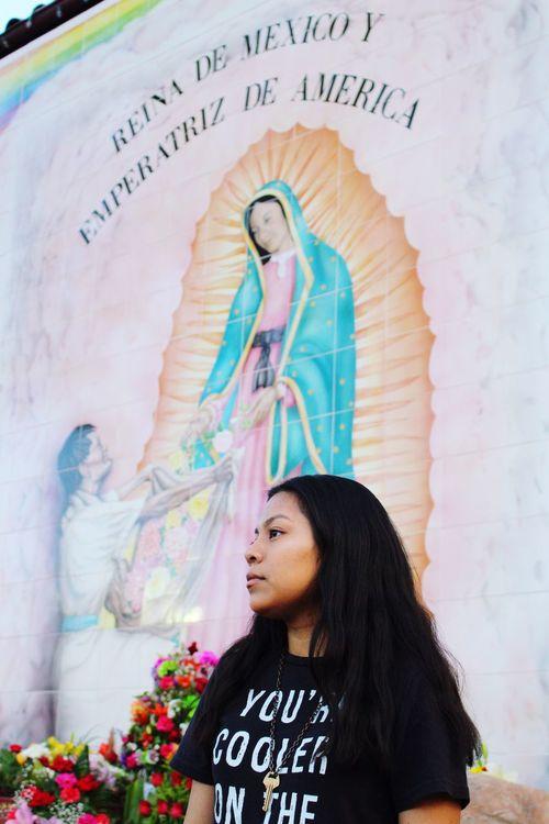 Losangeles Losangelesphotographer LosAngelesStreetArt Losangeleslife Virgin Mary Hispanic Hispana Sisepuede Mexican Young Women Womenpower