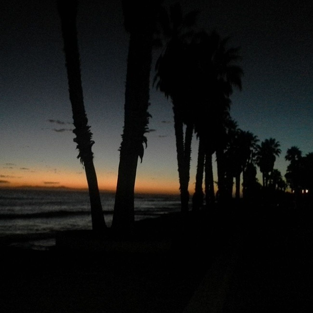 Sunsetoftheday Sunset Dayintonight Skymasters_family ca_skies californiafamousfor californiasunset allunique_pro photooftheday ventura socal peaceful smile belive