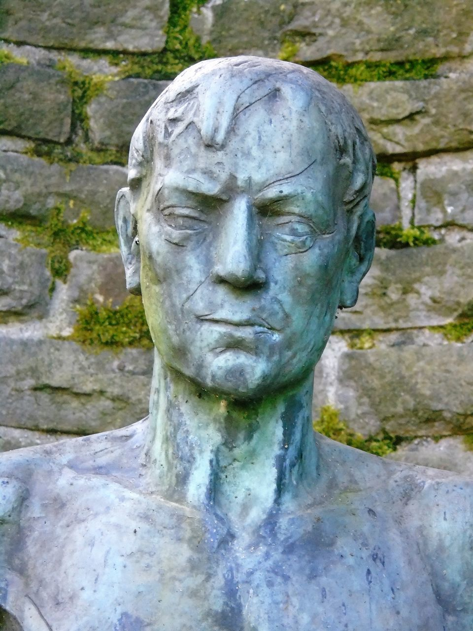 statue, sculpture, stone material, human face, history, day, outdoors, close-up, people