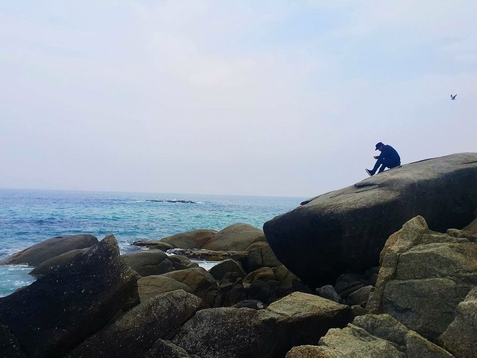 Rocks are always a good place to think on😛 i found this photo in my best photos album! EyeEmBestPics EyeEm Gallery EyeEm Best Edits EyeEm Best Shots EyeEm Best Shots - Nature Colour Of Life Beach Sky Rock Blue Blue Wave Whats On The Roll