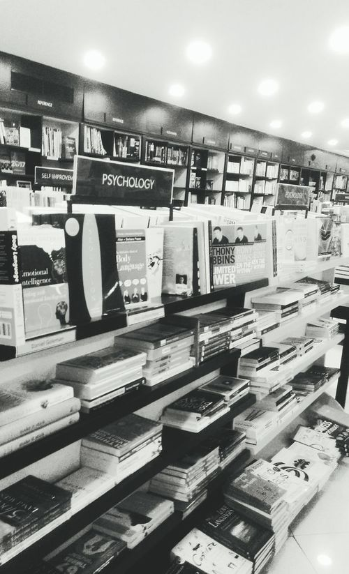 Store Indoors  Business Finance And Industry Technology Architecture No People Day Retail  Library Book Library Books Librarybooks Library View Psycologist Psycology  Psycology  PSYCOLOGIC Psycological Pysco