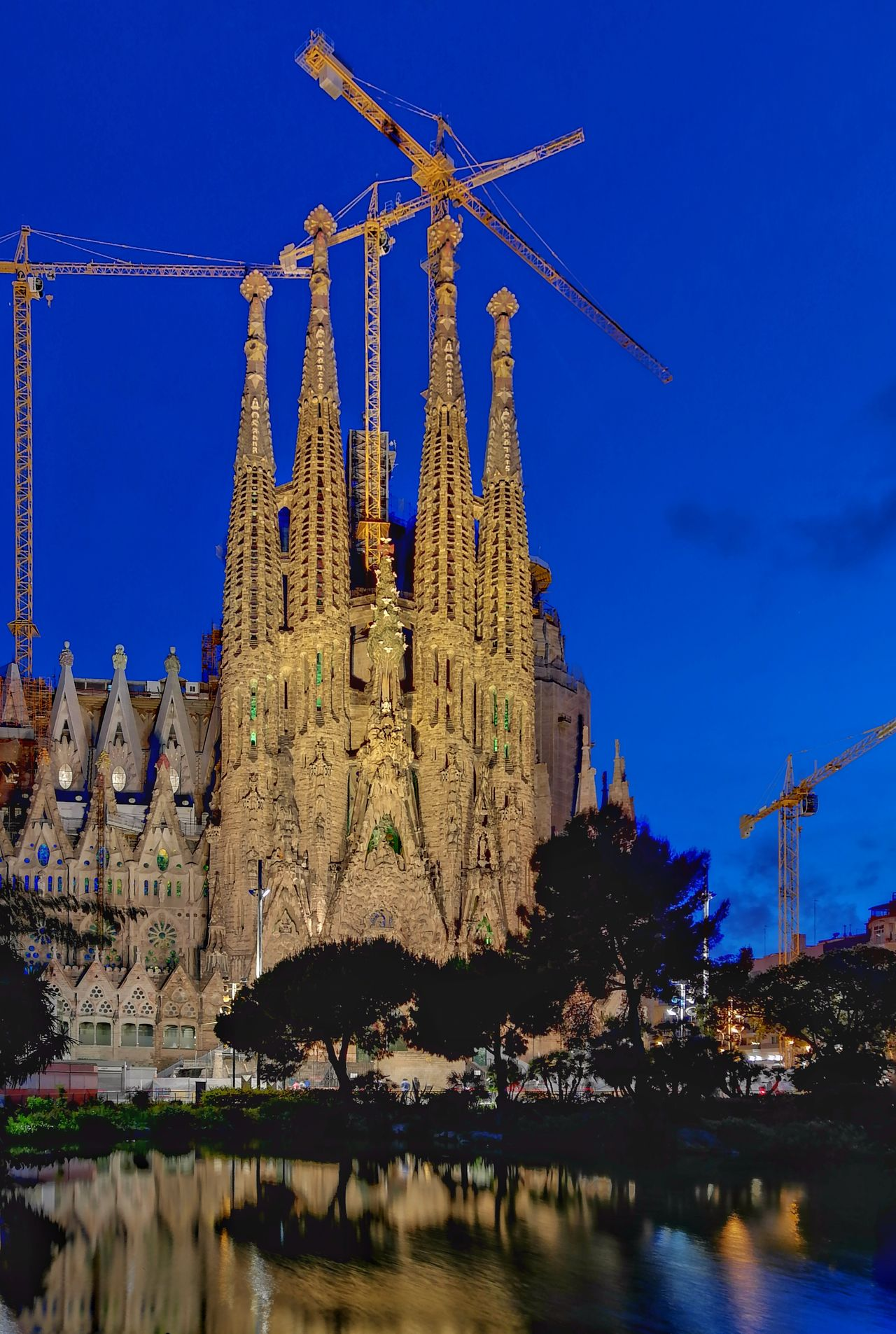 Building Barcelona♡ Cityscapes Night Photography Sagradafamilia Huaweiphotography Huaweip10plus