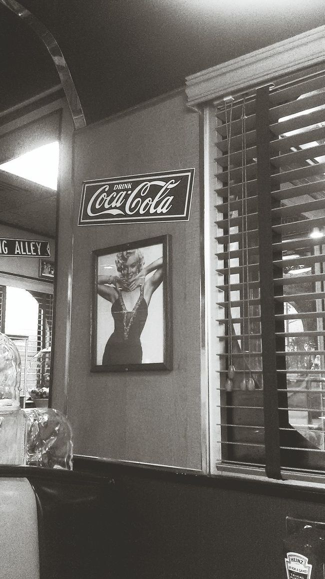 Retro Style Dinner Marylin Monroe Cocacola American Classics Taking Photos Enjoying Life Hanging Out Just Taking Pictures