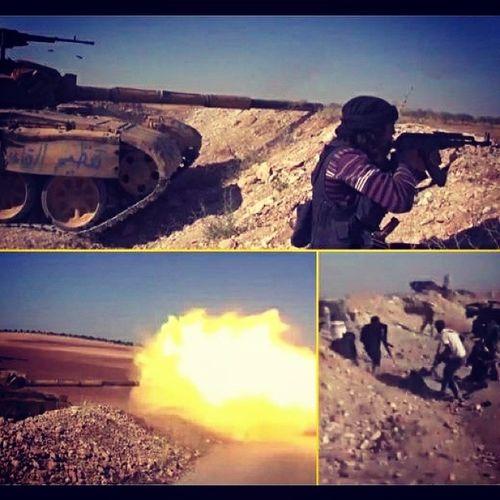 جبهة_النصرة    مشاهد من تصدي المجاهدين لتقدم الجيش النصيري في مورك فيديو: http://t.co/rdjwBcOiSv تنظيم_قاعدة_الجهاد حماة