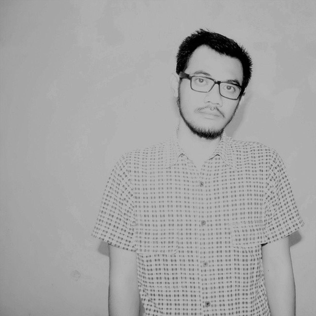 Me Selfie Instagood Instaselfie selfietime face portrait igers fun ootd fashion style pants shirt