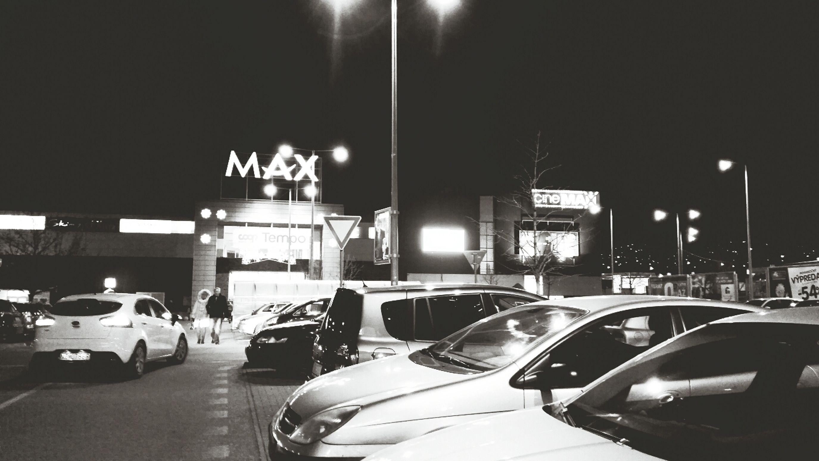 večer z parkoviska Eye4photography  Car Shopping EyeEm Best Shots
