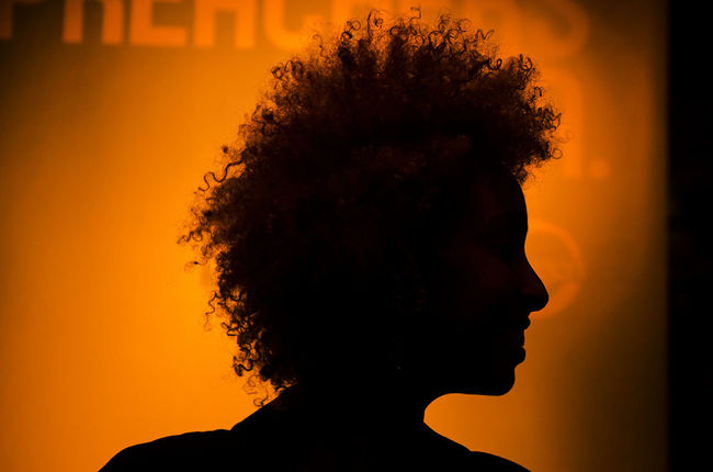 Creative Light And Shadow Light And Shadow The Phoblographer Losangeles Afro Silhouette