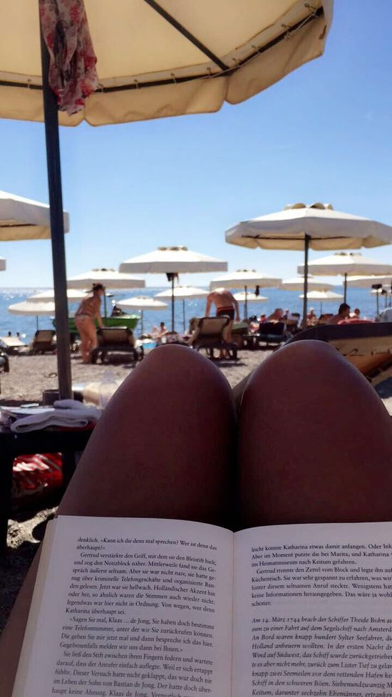 Onlyme Book Vacations Travel Travel Destinations Relaxation Tourism Sea Sunlight Tourist Luxury Day Outdoors Beach Umbrella Beach Sky People Books Reading Legs Reading A Book Astorytotell Lovetotravel Travellover Family Time
