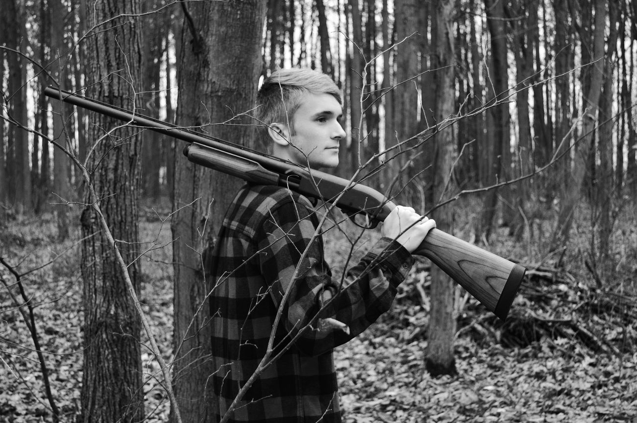 Young Adult Forest Favorite Photo Best Eyeem Pics Country Photography High School Senior Shoot Black And White Collection  Black And White PhotographyPhotographing People Hunting Hunting Life Outdoors