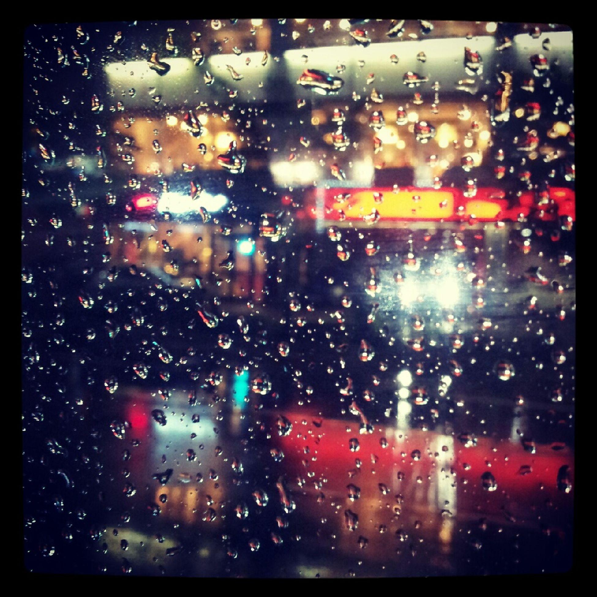 비가오는구나. . . ;;