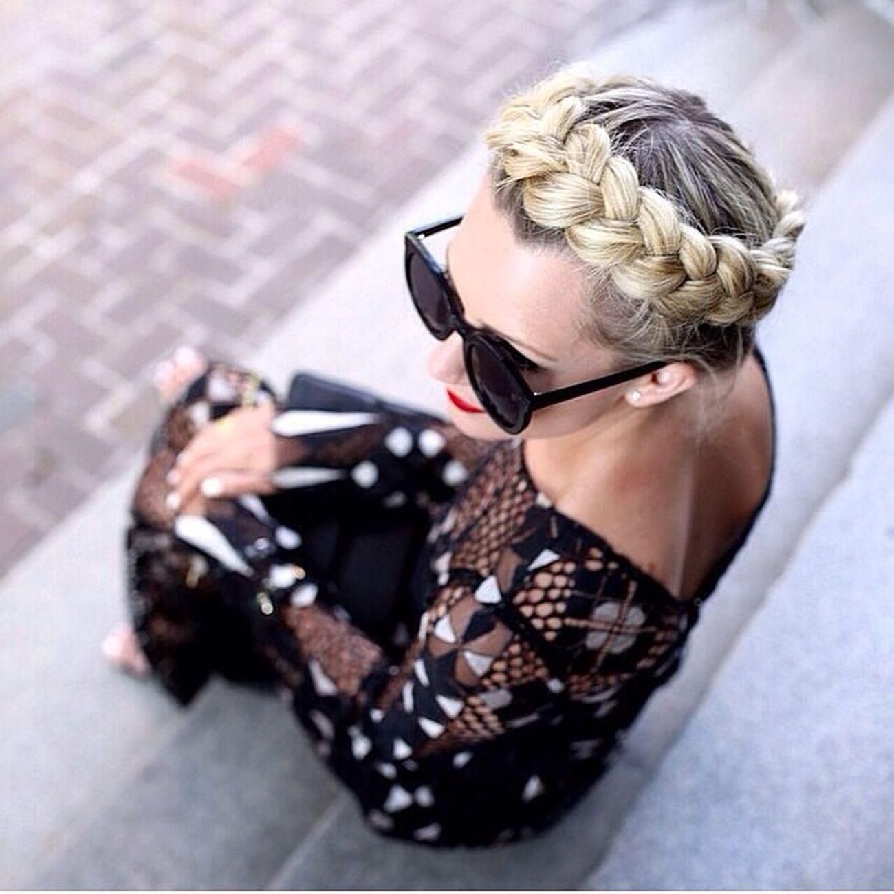 Repost from @shoelovebag Dünyaca ünlü bloggerlar @blaireadiebee Moda Fashion Style Stil shoes ayakkabı dress elbise makeup makyaj streetstyle sokakstili hairstyle eğlence love dekorasyon bukombin