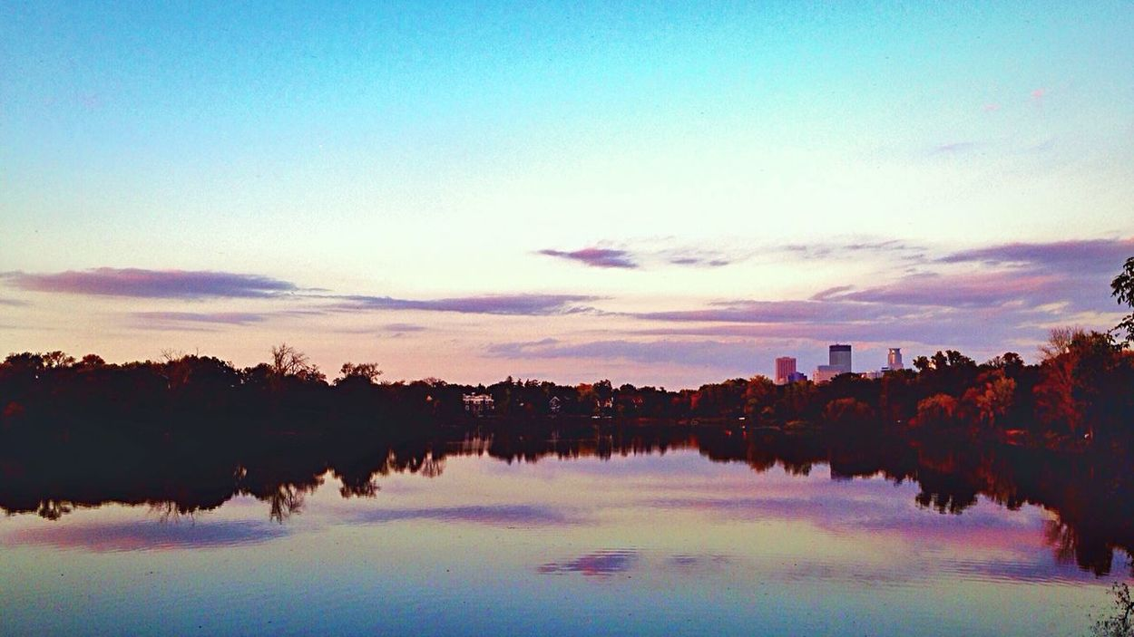 Amazing Sunset Lake Of The Isles City Of Lakes Minneapolis Sunset Sky And Clouds Urbanphotography Urbanscape Urban Photography Urban Landscape