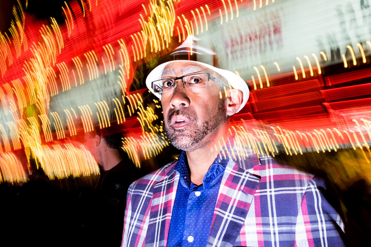 Candid Photography Candid Portraits Everybodystreet Flash Photography Nightphotography People In The Streets People Photography Random Slow Shutter Streetlife Streetphoto_color Streetphotography The Street Photographer - 2017 EyeEm Awards