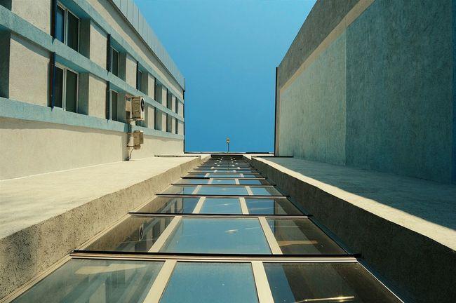 Urban Geometry Architecture Ofice Window Suny Day Light And Shadow