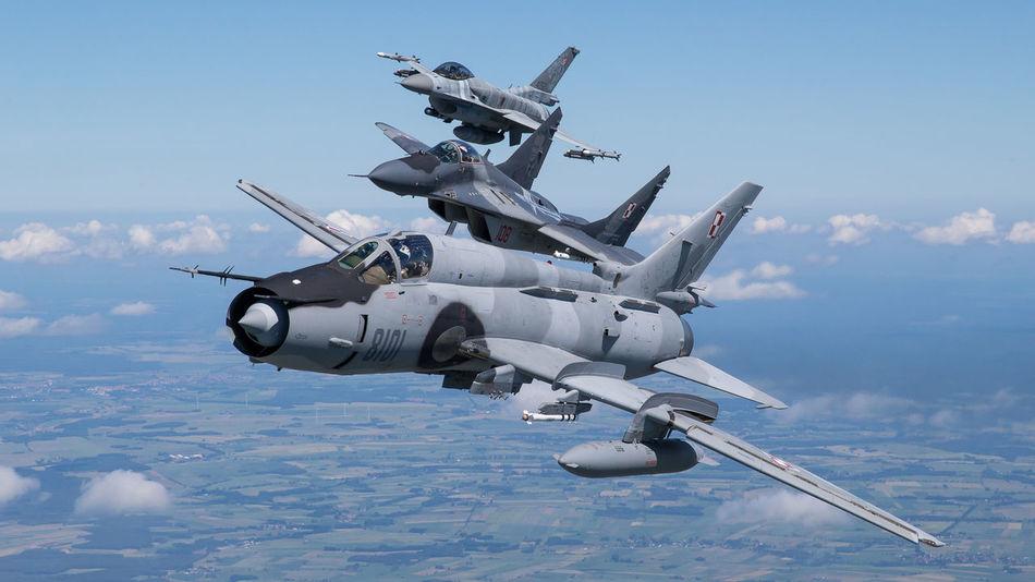 Beautiful stock photos of militär, military, air vehicle, air force, outdoors