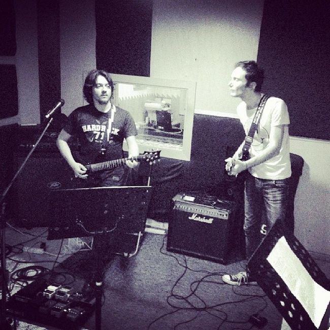 We'll do our Best  to make Riffs get through Widowqueen Rhythm lead guitars