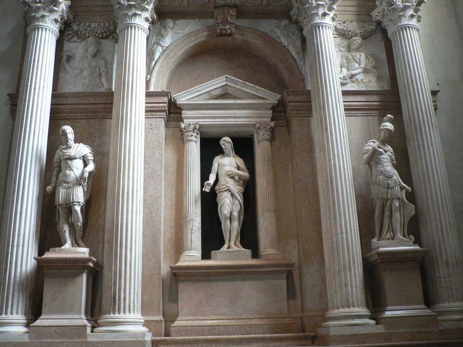 Architectural Column Art And Craft Creativity History Human Representation Indoors  Male Likeness Marble No People Sculpture Statue