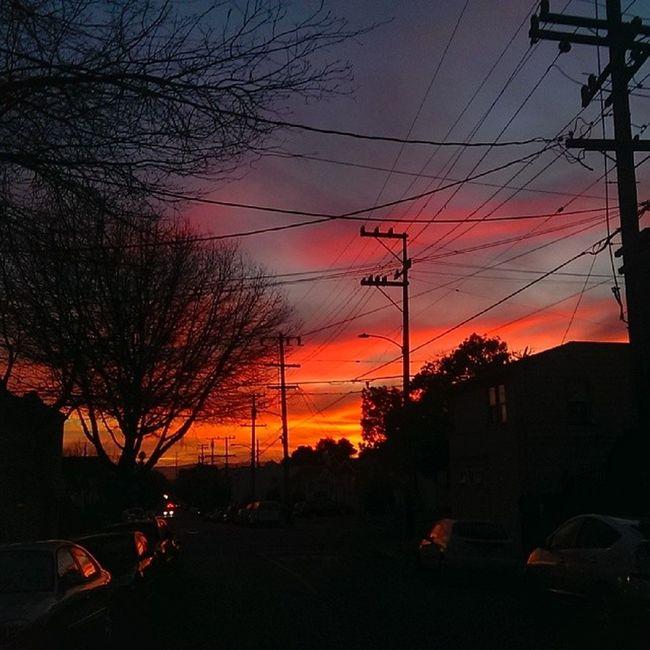 Sundown in my neighborhood is pretty damn chill Sunset Oakland Eastlake Bayarea nofilter shouldvegonetotheroof