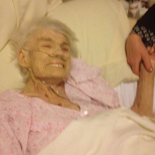 Women Who Inspire You Grandma Lastnightonearth Stillsmiling Strongwoman 91 Insipartion Bigsmile😁😘