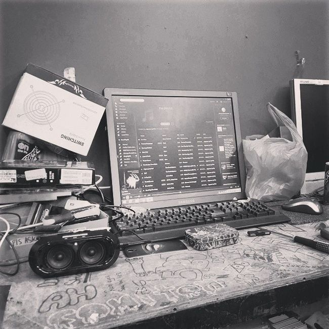 Literally have nothing to do lol!! Myworkspace Blacksabbath Nescafe S4photography Spotify