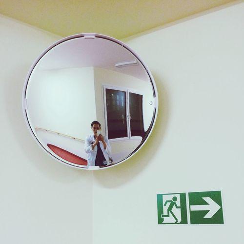 Nightshift Mirrorselfie