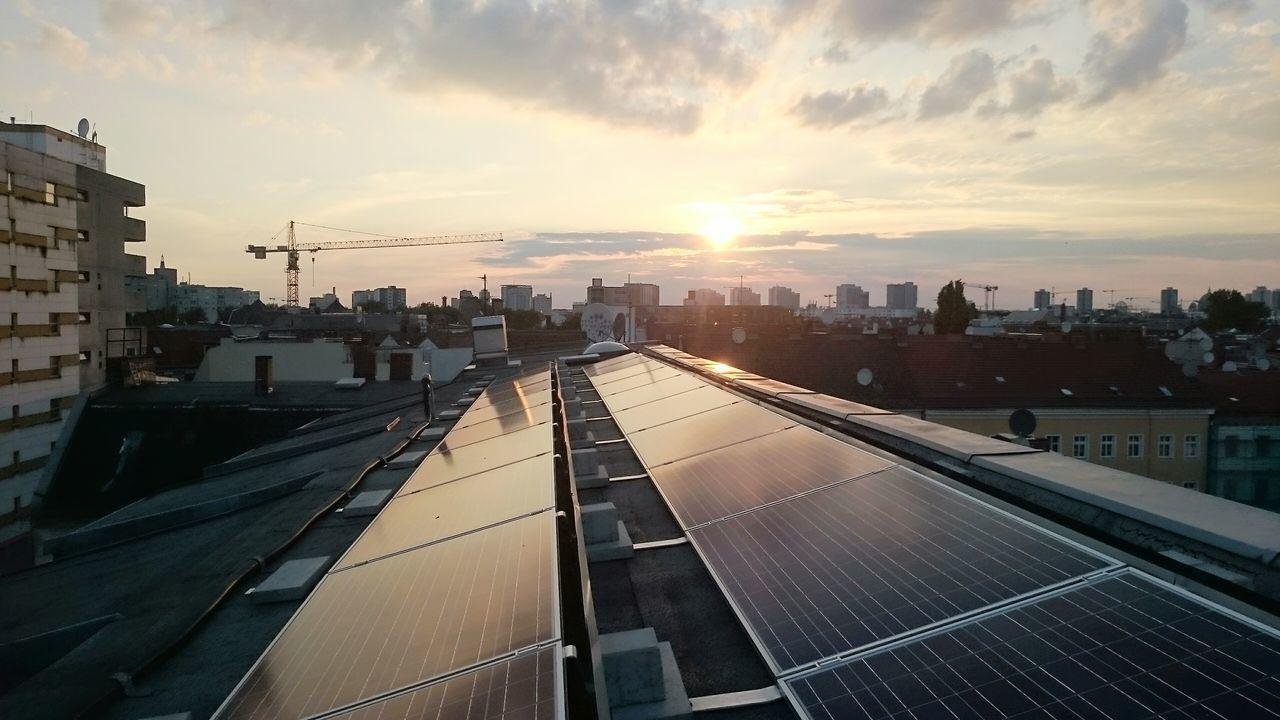 Rooftop Rooftop View  Kotti Sundown Ganzoben  Aufdemdach Solar Sonnenuntergang in Berlin Xberg Kreuzberg36 Adalbertstrasse