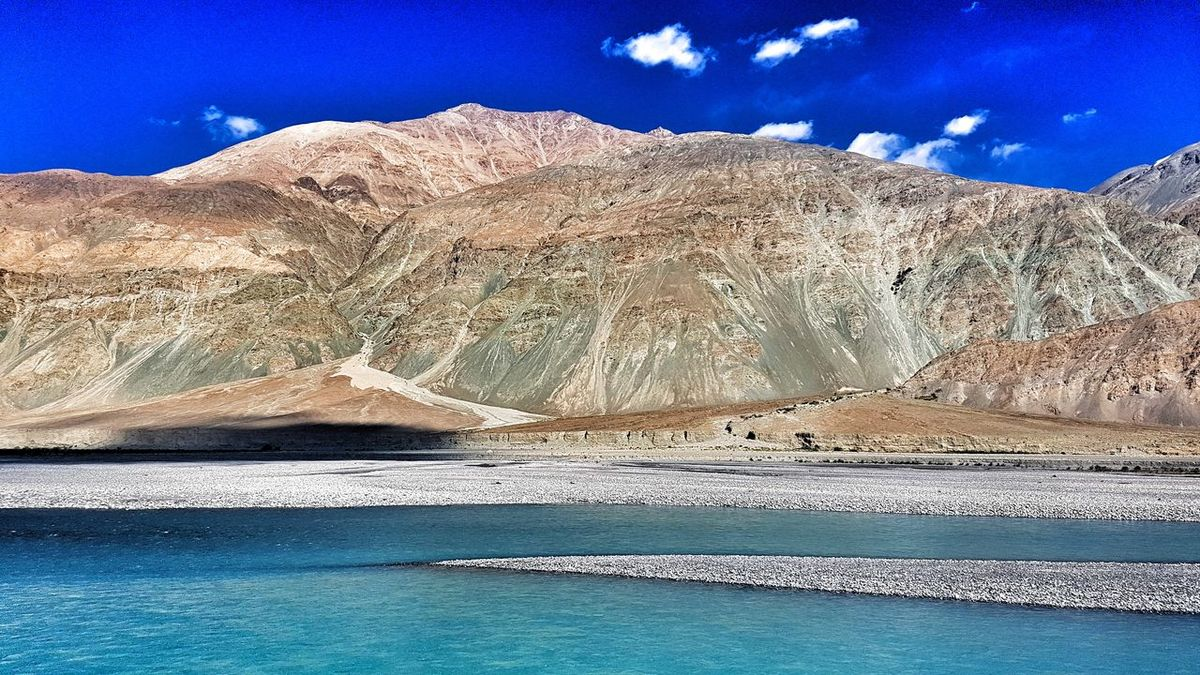 LADAKH ON THE WAY Ladakh_lovers Ladakhtrip2016 The Great Outdoors - 2017 EyeEm Awards Riverside Photography Riverbed Riverbank View Ladakh, Lake, Himalayas, I Ladakh A View From The Top Ladakh_lovers Ladakhdiaries Ladakh Blue Water GalaxyS7Edge