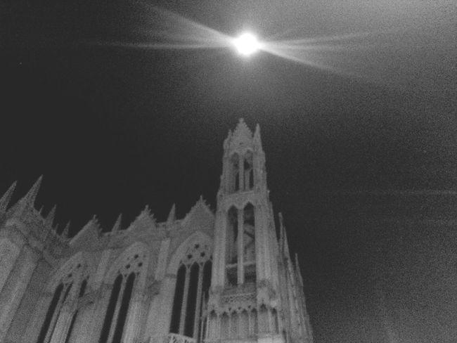 La majestuosa Luna ...