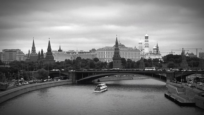 Moscow Kremlin City Landscape Blackandwhite Streetphotography River EyeEm Best Shots EyeEm Gallery Eye4photography  Historical Building Russia
