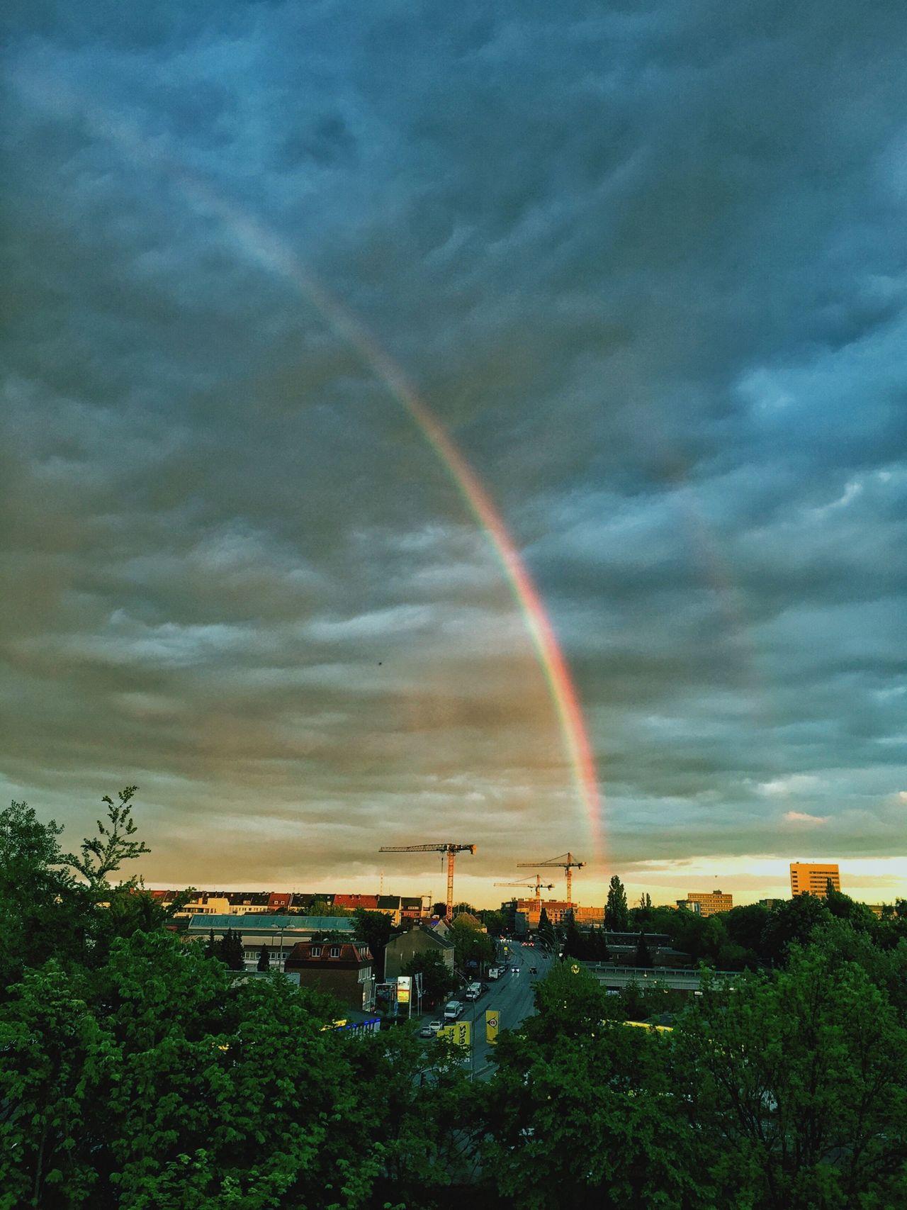Wenn Dir das Wetter in Hamburg nicht gefällt, warte einfach zehn Minuten 🌈 Rainbow Welovehh