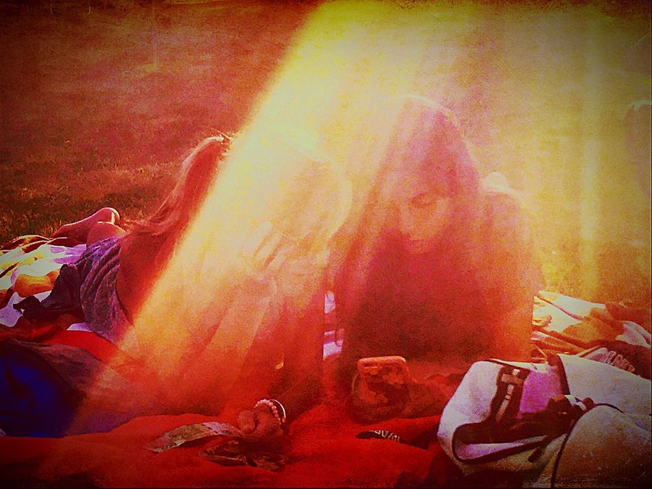Concentration l Lectura Reading Hermanas Sisters ❤ Picnic Time ♡ Sunlight light and reflection