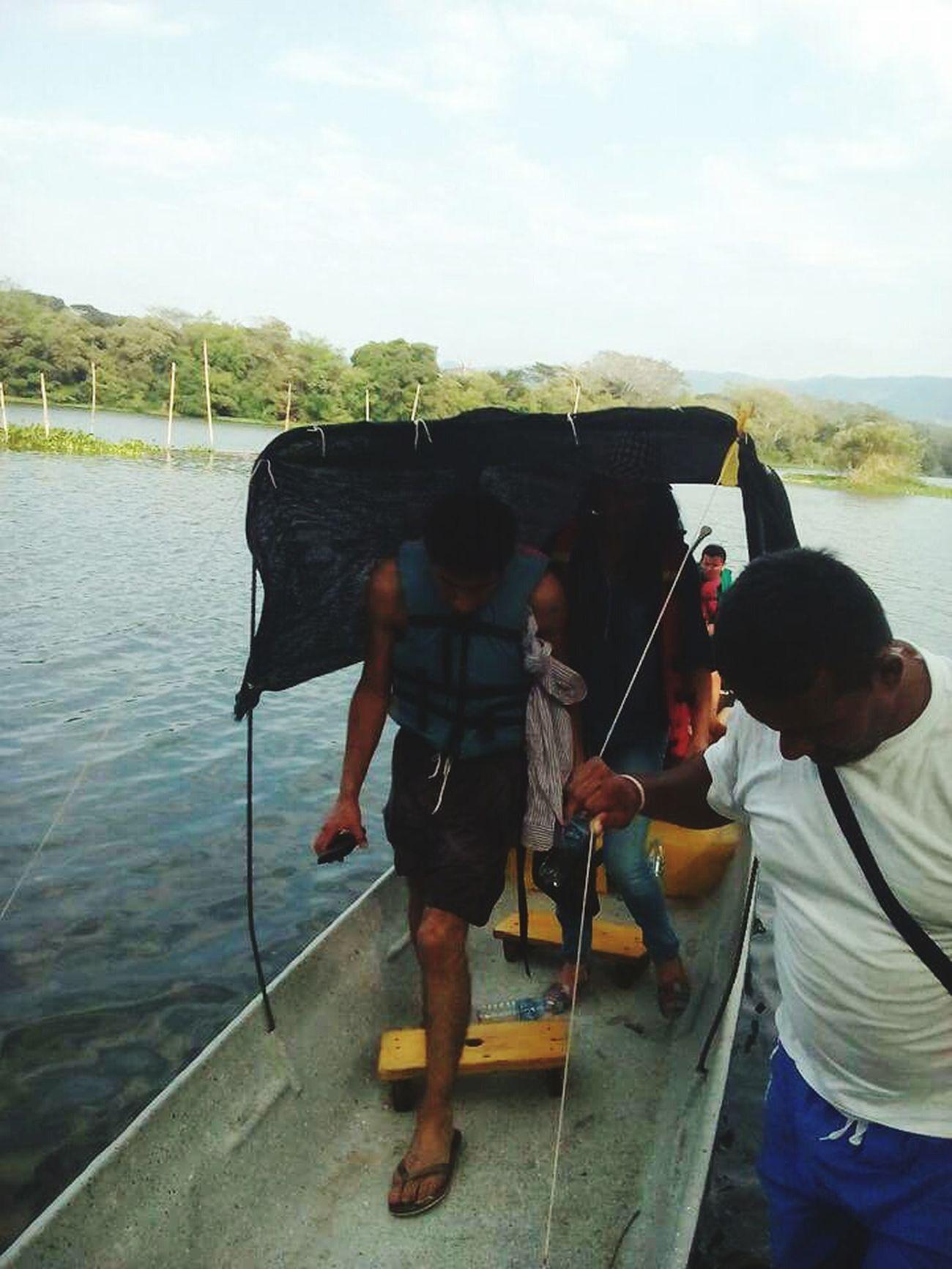 Lago Bote Bajando