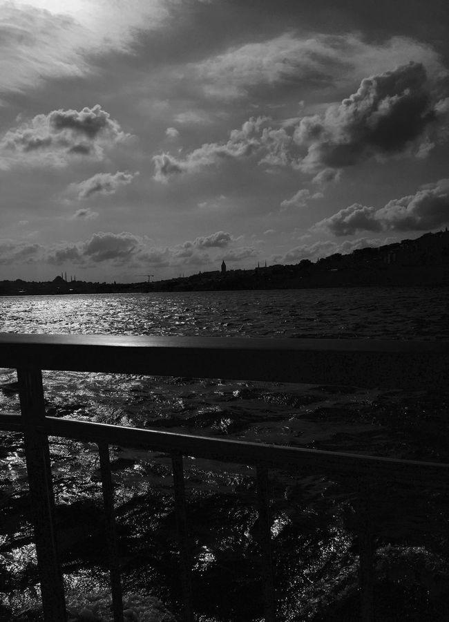 Always the same way to die... Sea Black And White Photographers_tr EyeEm Best Shots Photographer Black & White EyeEm Masterclass EyeEm Nature Lover Turkey
