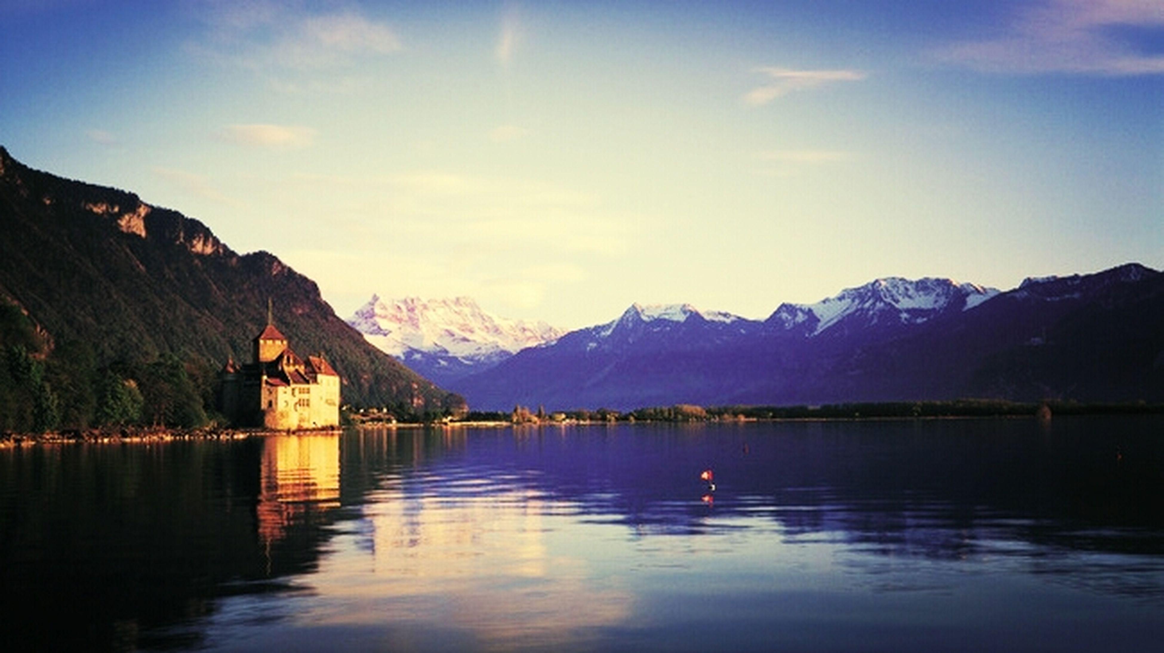 benim harcim bi fotograf degil tabi ama suraya gitmeden ölürsem gozlerim acik giderim Switzerland