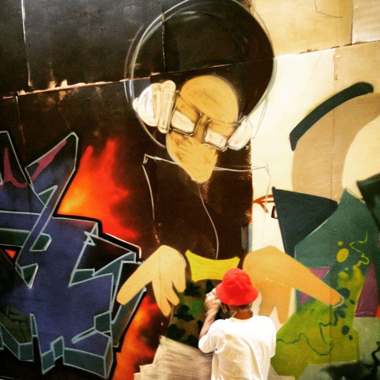 Finishing touches. Graffiti Streetnightsjbr