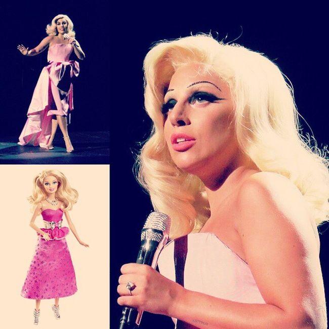@ladygaga looks like Barbie *-* Gaga Littlemonsters Littlemonsters Funny Cheektocheek CheektocheekTour