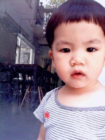 忘望的新发型越来越萌了,虽然萌萌哒还是难以忽视他的晶莹剔透的口水~ Cute Baby Hi! Nice Day
